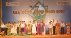 """18 đơn vị nhận giải thưởng trong chương trình """"Vinh danh sản phẩm, dịch vụ gia đình Việt lựa chọn năm 2012"""""""
